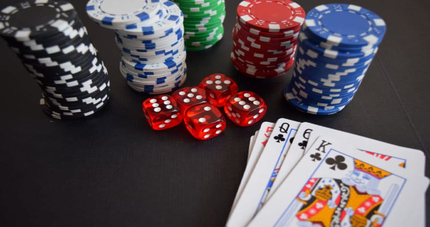 How to Play Poker and the Card Arrangements
