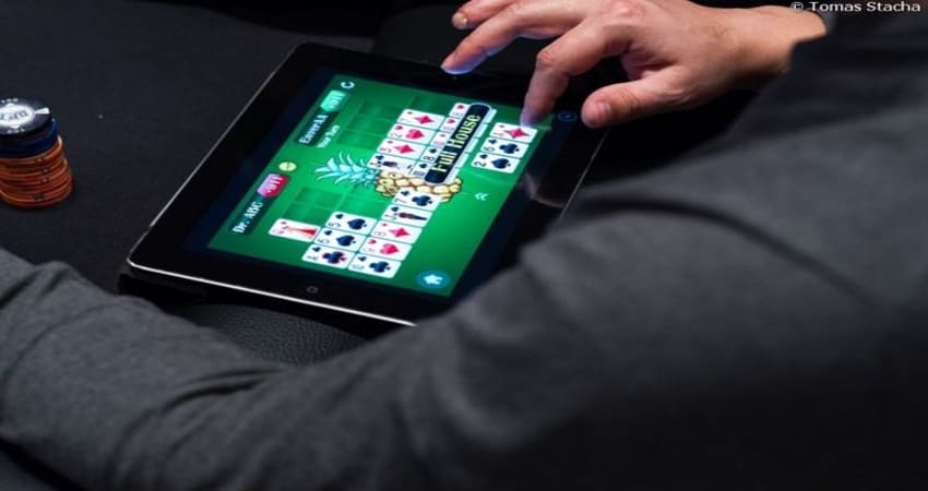 Want to Win Playing Poker Online Use This Way