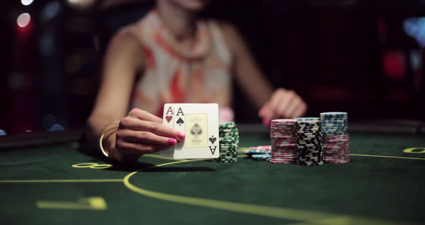 Here are the tricks to win playing poker in 2021
