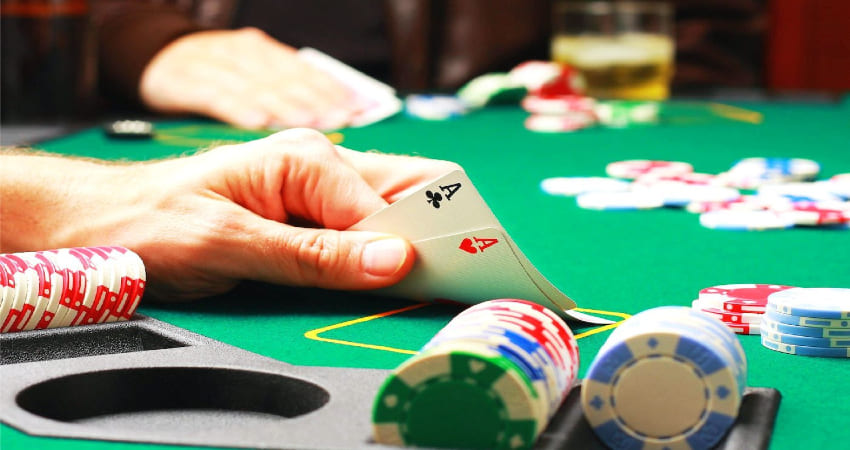 Effective Ways to Win and Continue to Play Poker Online
